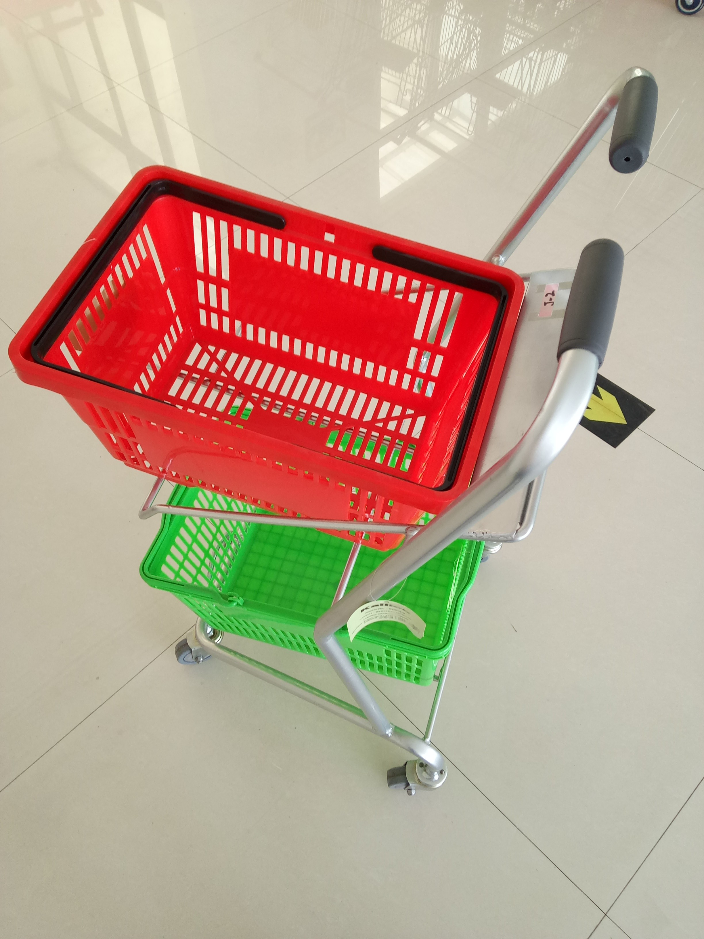 Super Market Shopping Basket Trolley , Flat Casters Double Basket Shopping Trolley